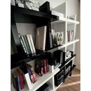 Libreria Alba La Primavera bianco & nero